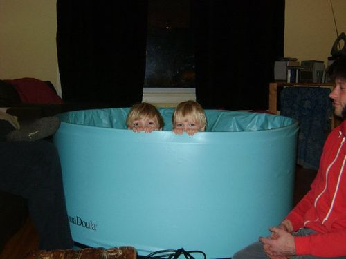 Birthing tub